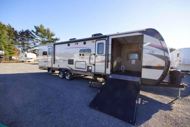 Top 2015 Rv Trends Side Entry Toy Haulers Insight Rv Blog From Rvt Com