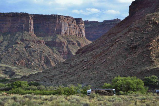 Moab Utah mesa and motorhome DSC_0037
