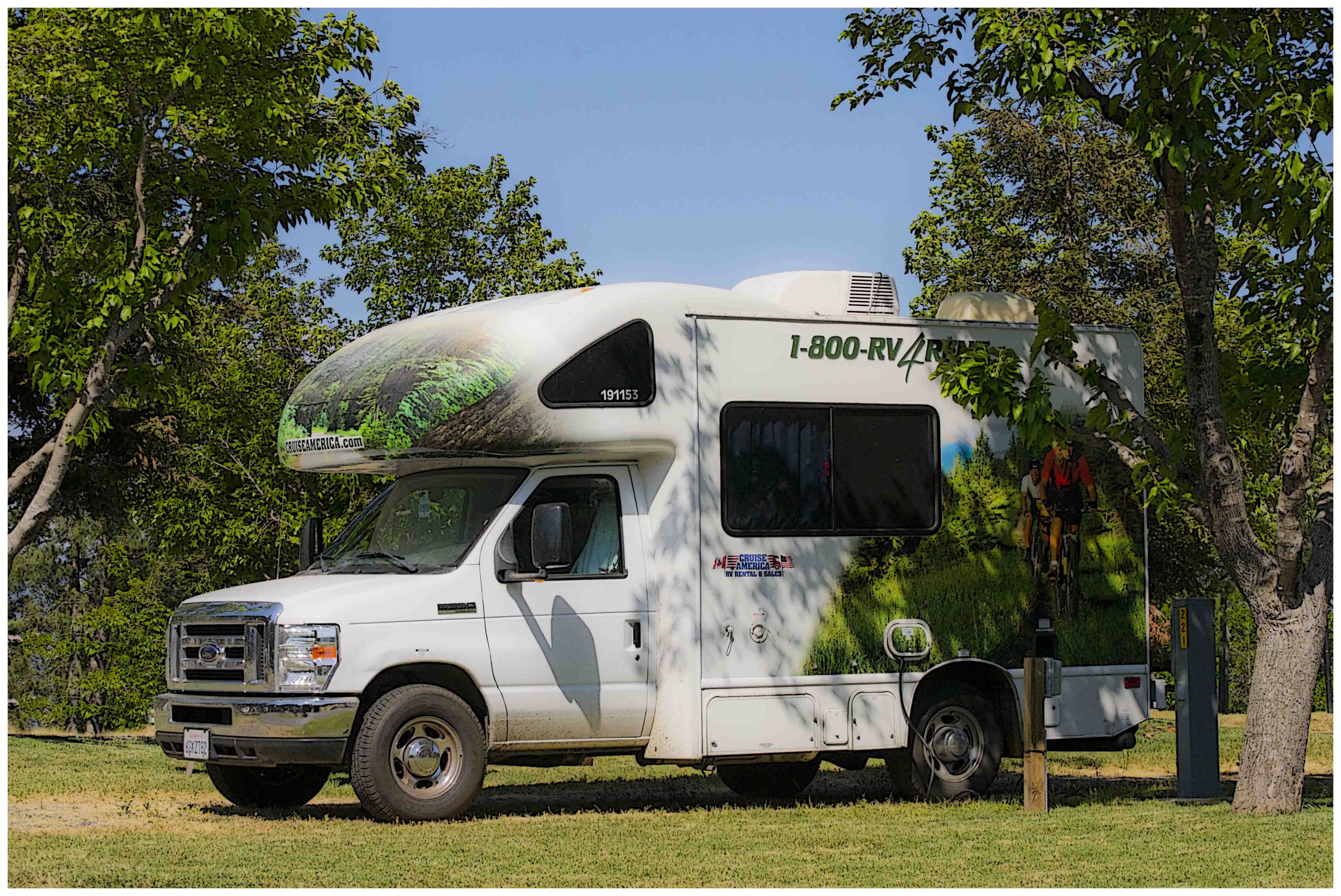 Old and new cozy little rvs insight rv blog from for Small motor homes for sale