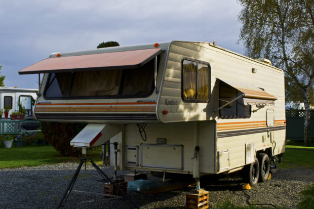 Early Komfort Fifth Wheel Trailer