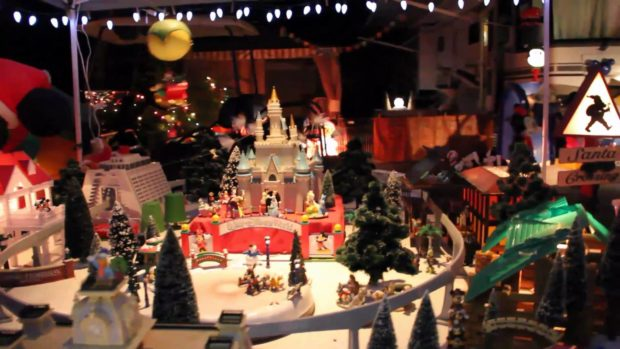 the regulars start arriving not long after thanksgiving driving full size motorhomes or pulling travel trailers they pull into their reserved camping - How Long Is Disney Decorated For Christmas