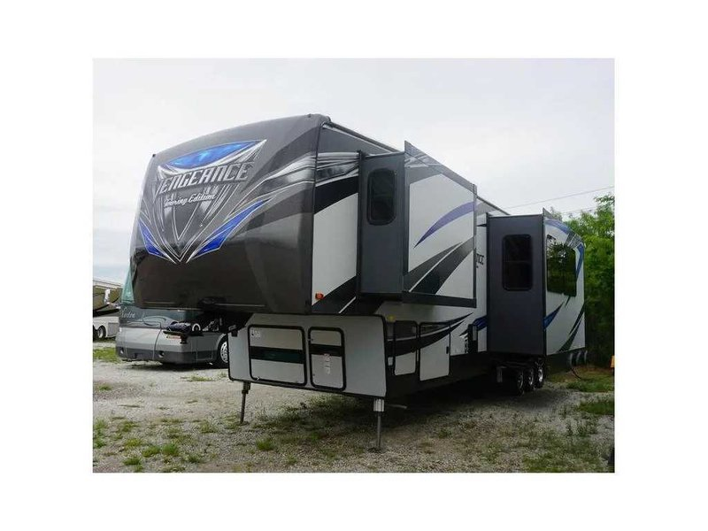 2017 Forest River Vengeance Touring Edition 40D12
