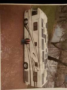 1999 Country Coach Magna Indulgence
