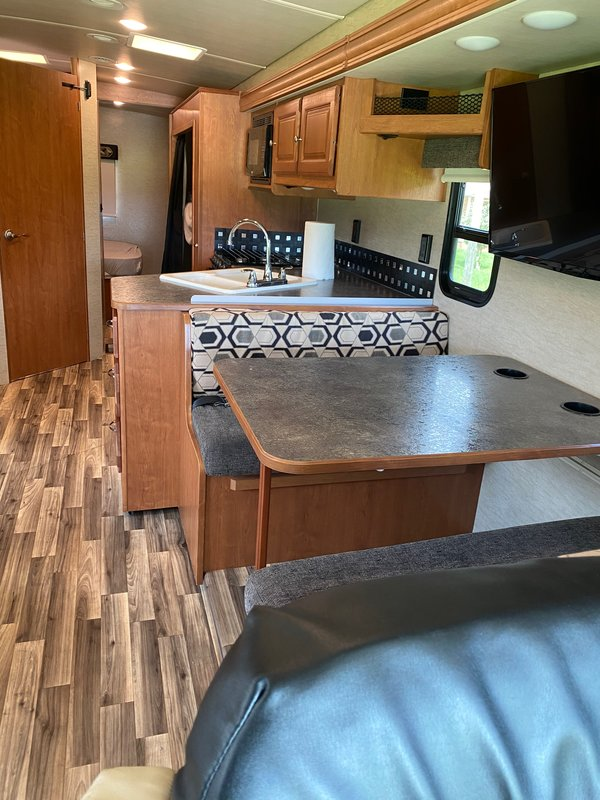 2017 Winnebago Vista 31BE