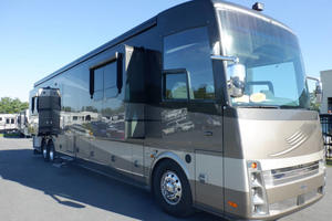 2008 Newmar London Aire 4545