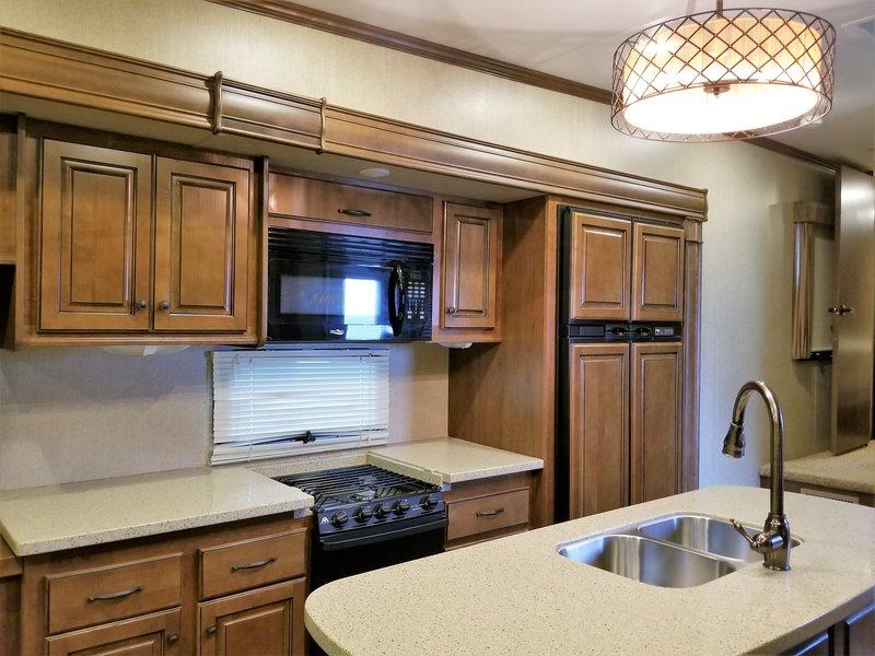 2014 Heartland Bighorn 3685RL