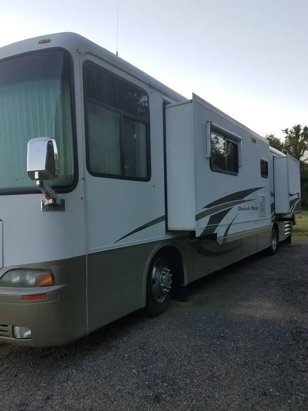 2002 Newmar Dutch Star 3872 Financing available