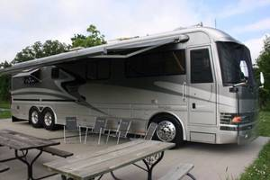 2002 Country Coach Magna Interlude