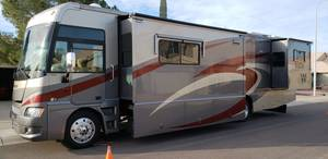 2008 Winnebago Adventurer J38