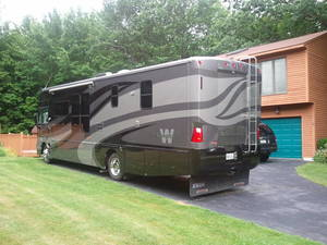 2006 Winnebago Adventurer 35A