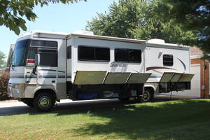 2004 Winnebago Itasca Sunrise 32V