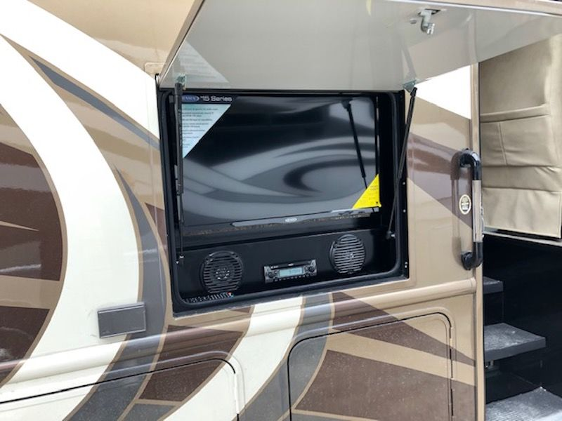 2019 NeXus RV Maybach 32M