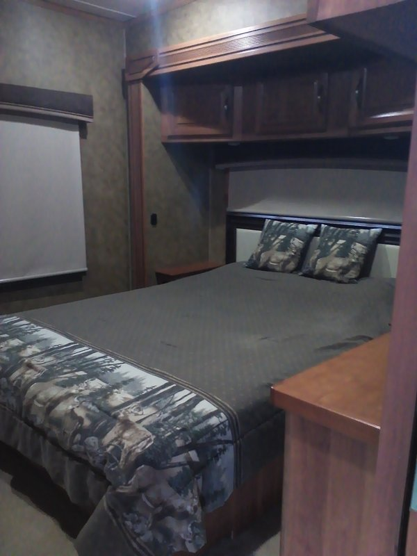 2015 Redwood RV Redwood 38FL