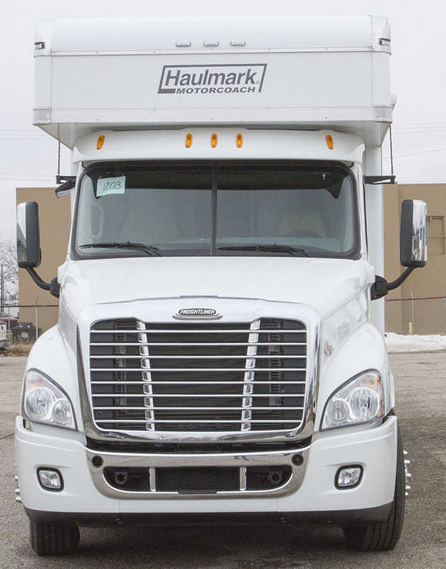 2014 Haulmark Haulmark Motorcoaches 4501 Gs Haulmark Cascadia
