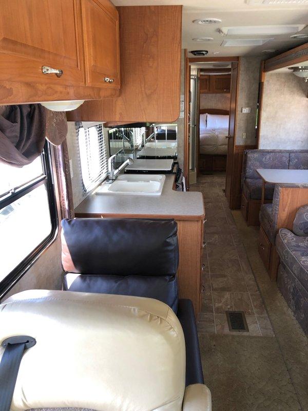 2004 Coachmen Sportscoach Cross Country 354MBS