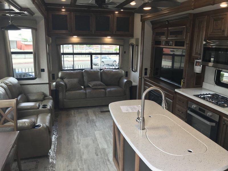 2018 Heartland Bighorn 3160EL