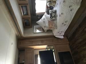 2017 Hyline Premier ft 2 bedroom