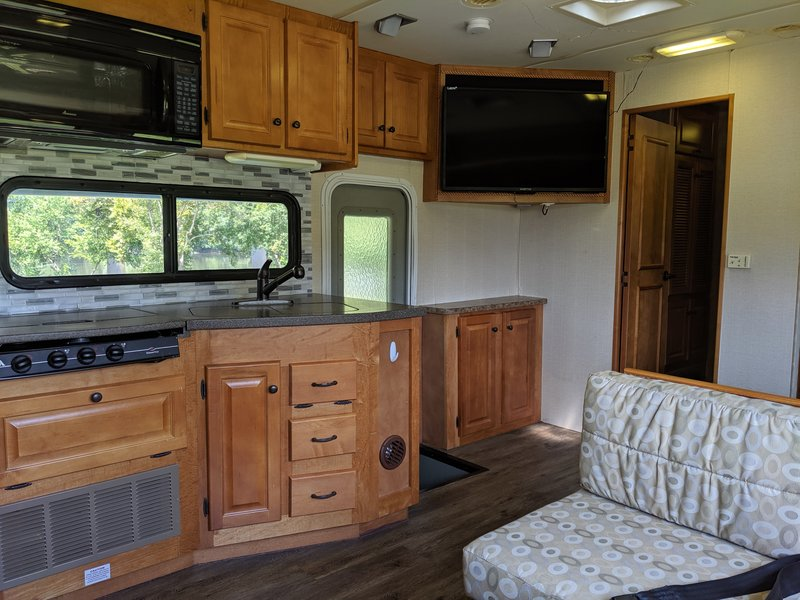 2008 Gulf Stream Conquest Super Nova 6400