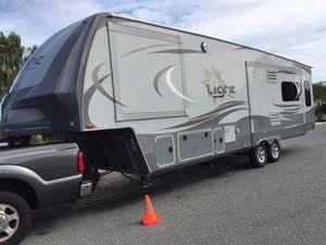 2016 Highland Ridge RV  16LF318RLS