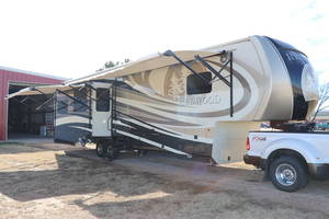 2015 Redwood RV  38RL