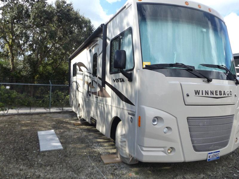2015 Winnebago Vista 26HE