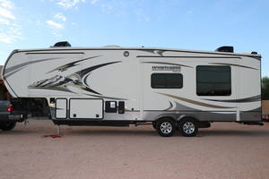 2014 Keystone Montana Mountaineer 295RKD