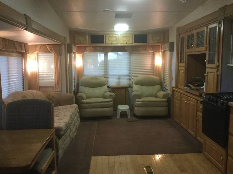 2001 Glendale RV Golden Falcon Easy Rider 36TKS