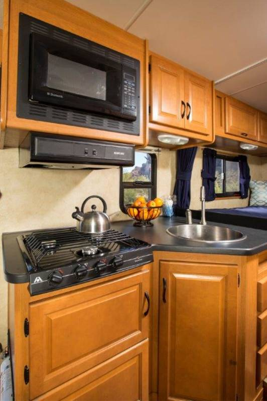 2009 Four Winds Majestic 23A