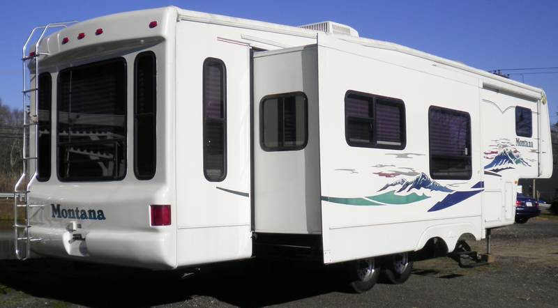 2003 Keystone Montana 3670RL for sale - East bridgewater, MA