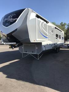 2017 Highland Ridge RV 3X 38RKS