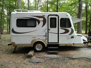 2008 Bigfoot RV 2500 Bigfoot 17.5cb