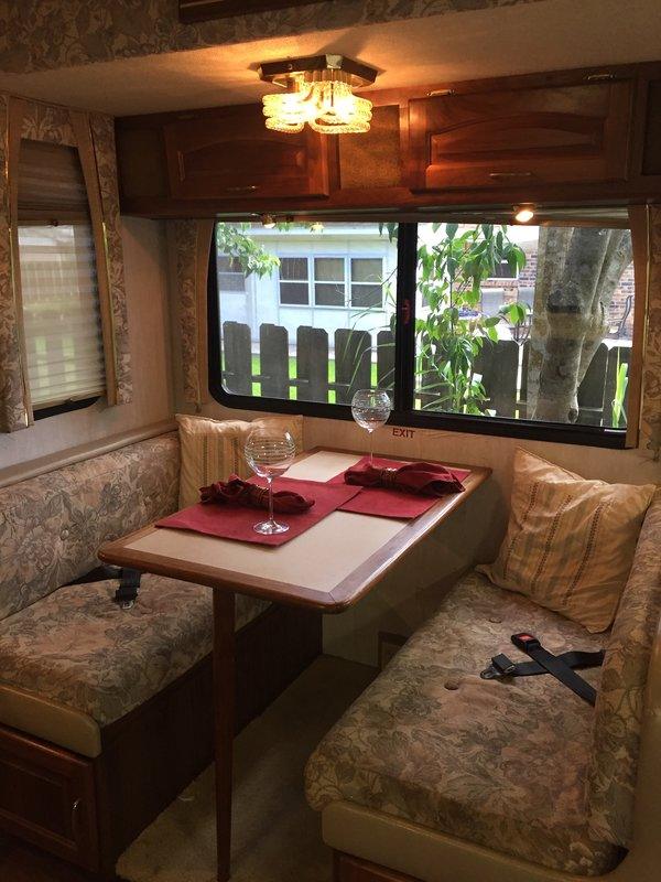 1999 National RV Tradewinds 7370