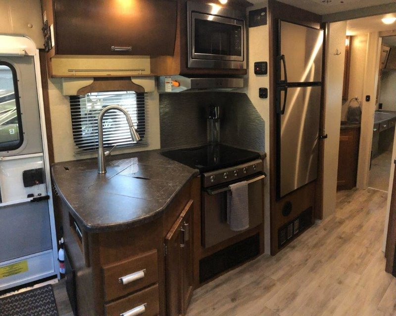 2019 Lance 2465 for sale - Springfield, MA
