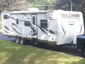 2012 Forest River Rockwood Signature Ultra Lite 8317RKSS