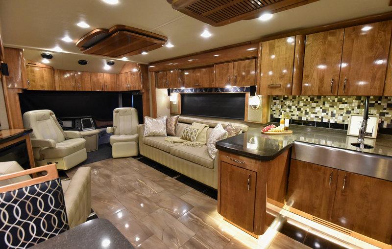 2016 Fleetwood American Eagle 45N