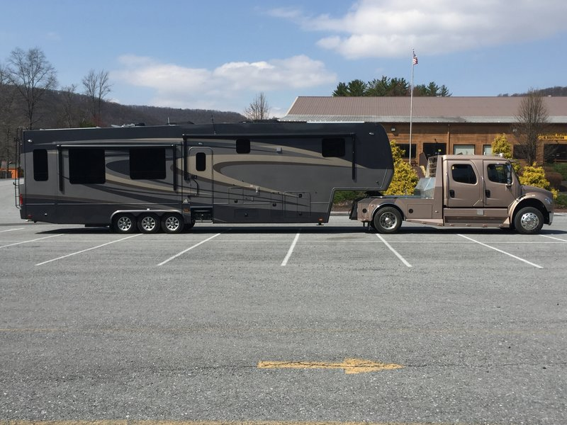New Horizons Rv >> 2015 New Horizons Majestic Mf41rltss For Sale Portland Me