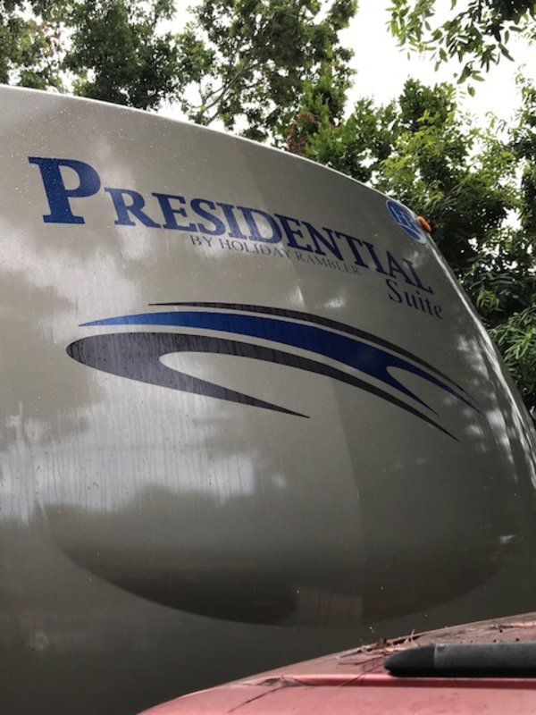 2009 Holiday Rambler Presidential Suite 36RLT