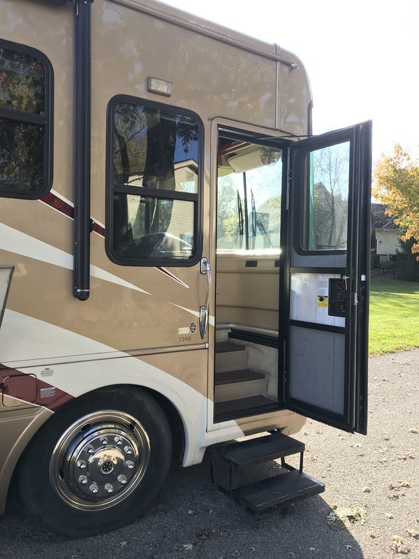 2006 National RV Tropical T340