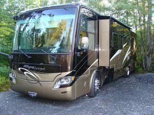2012 Tiffin Allegro Breeze 32BR