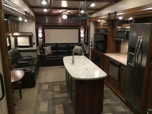 2016 Heartland Bighorn 3875FB