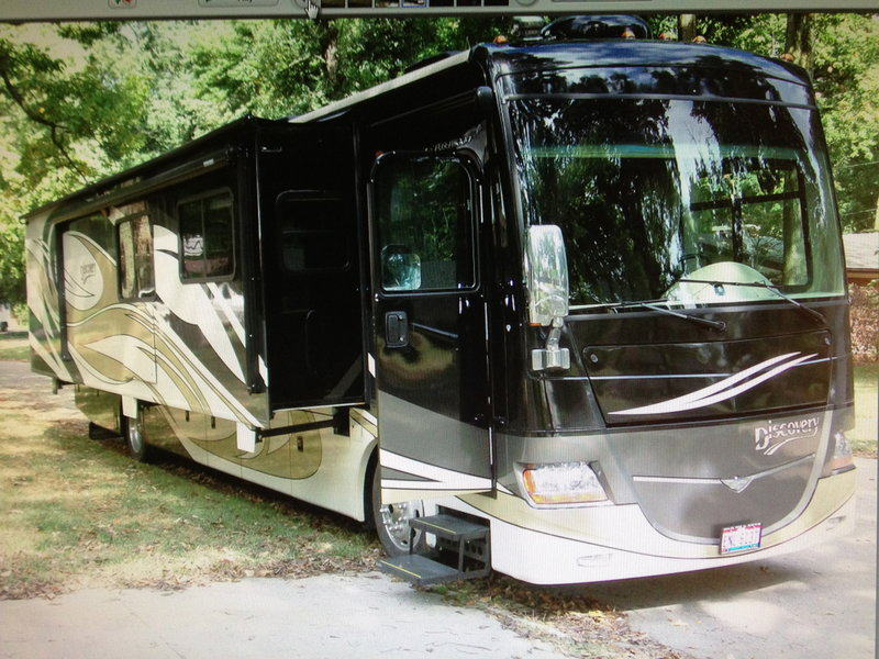 2009 Fleetwood Discovery 40G for sale - Dayton, OH