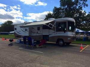 2009 Winnebago Vista 32K