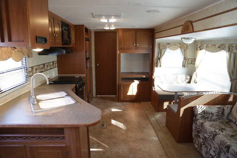 2011 Winnebago SunnyBrook Sunset Creek 298BH, Travel ...