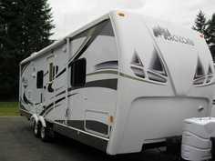 2008 Dutchmen Adirondack Blackcomb Alpine Edition 27FBX7