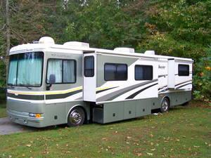 2005 Fleetwood Bounder 38N