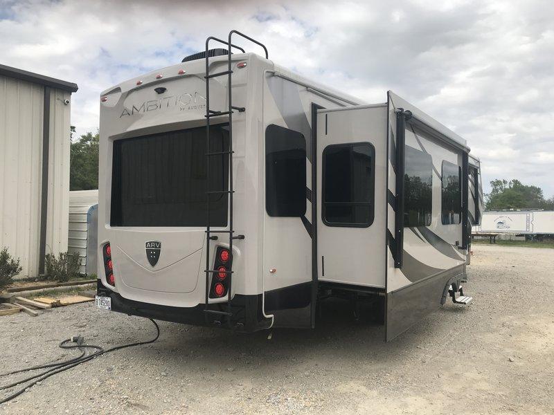 2017 Augusta RV Ambition