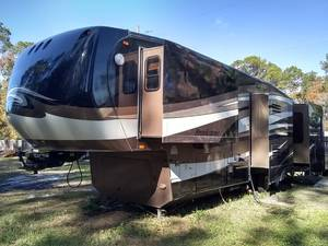 2011 Coachmen Brookstone BKF366RE