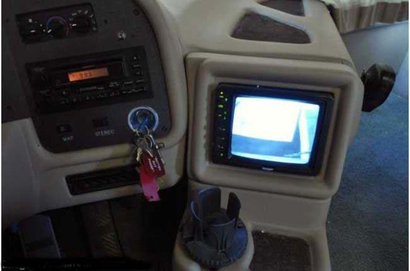 1999 National RV Tradewinds 7370