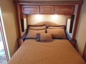 2013 Winnebago Vista 35B