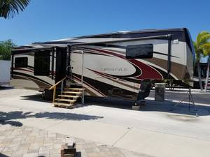 2014 Lifestyle Luxury RV  LS36FW